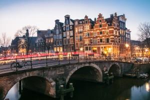 Cykel är bästa transportmedlet i Amsterdam.