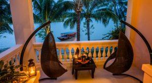 Varje rum på Anantara har en egen terrass som snabbt brukar bli favoritstället för de flesta gästerna.