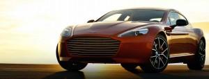 En röd Aston Martin Rapide S.