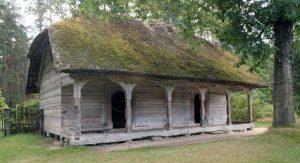 På Lettlands Skansen finns massor av gamla hus.
