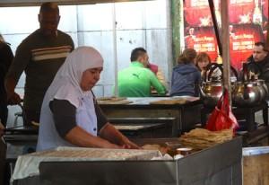 Vill du testa olika sorters arabisk mat är Marché du Midi ett bra ställe att göra det på.