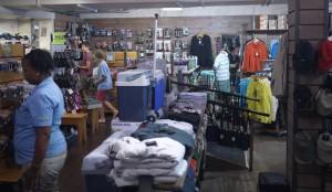 Cape Union Mart i Plettenberg har bara en fraktion av det totala utbudet.