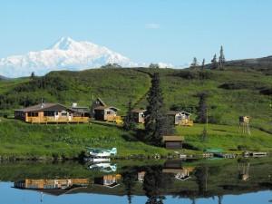 Sjö- eller skidflygplan är enda sättet att nå Caribou Lodge,