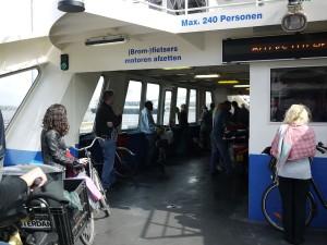 Cykelfärjor är en självklarhet i Amsterdam.