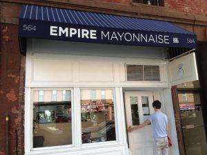 Bakom de här dörrarna i Brooklyn kan man hitta exklusiv majonnäs i många olika sorter.