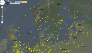 Så här ser FlightRadar ut. Klicka bara på ett plan så får du mer info.