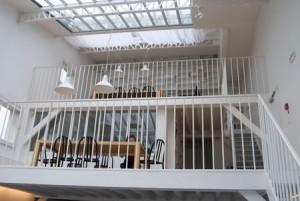 På Fondation Henri Cartier-Bresson finns ett stort och välorganiserat arkiv.