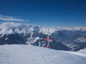 Utsikten över Verbier från liftstationen Fontanet på nära 2 500 meters höjd är fantastisk och då är det ändå 800 meter till kvar upp till toppen.