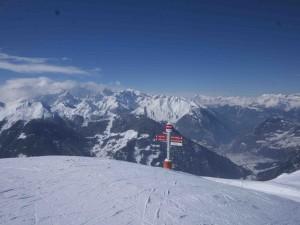 Här syns den schweiziska alpbyn Verbier från liftstationen Fontanet på 2500 meters höjd.
