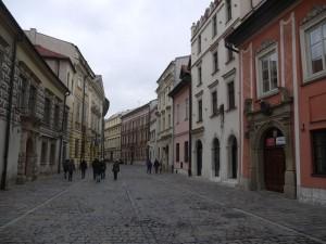 En halvtimme från flygplatsen ligger Krakows gamla stadskärna.