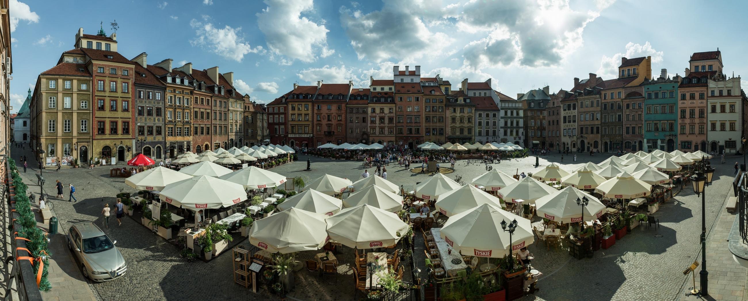 Gamla stan i Warszawa är en i högsta grad levande del av den polska huvudstaden.