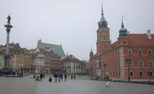 Det här torget är av ingångarna till gamla stan i Warszawa. Det är svårt att tro att det här bara var ruinhögar efter kriget.