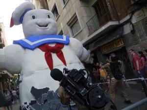 Ghostbusters blockerade en av de smala gatorna.