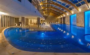 Den sköna poolen på Hotel Cristal.