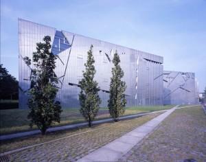 Det judiska museet i Berlin är spännande både invändigt och utvändigt.