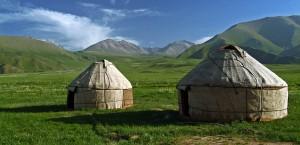 För den som ger sig ut på landsbygden i Kirgizistan är det för det mesta övernattning i jurtor som gäller.