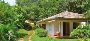 På Sri Lankas sydkust i närheten av staden Tangalle finns ett  hus - Little Tamarind (www.littletamarind.com) - som är lämpligt för ett par.
