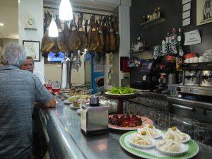 Delikata Pintxos på turistfria Meson Bidea-Berri.