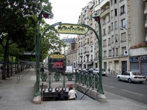 Nedgångarna till Metrostationerna i Paris är ofta väldigt vackra.