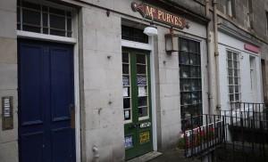 Mr Purves har gott om fotogenlampor men garanterat ingen hemsida.
