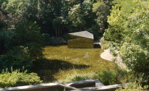 Parken har gjorts mer spännande med moderna konstverk.