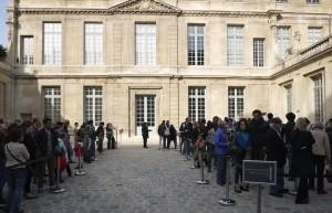 Kön till Picassomuséet fem dagar efter att det hade öppnat igen.