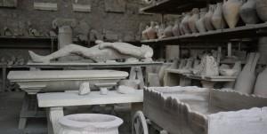 De askmumier som bildades när staden begravdes i aska är en handfast påminnelse om vad som hände.