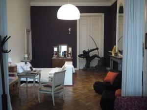 En liten del av det enorma rummet hos Rosette i Saint-Gilles.