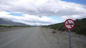 Det känns betryggande att det är omkörningsförbud just på denna hårt trafikerade del av Ruta 40...