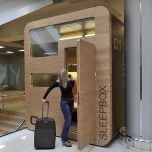 SleepBox kan ta upp till tre gäster och finns i Moskva.