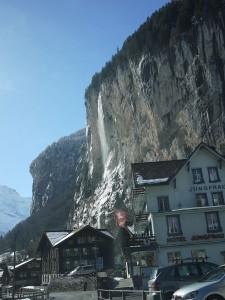Dalgången upp till Stechelberg är mycket vacker.