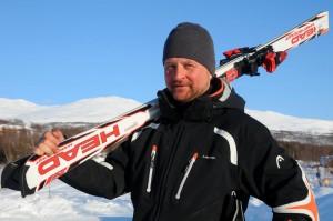 Stig Strand tar med sig svenska skidåkare till Kanada.