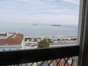 Utsikten från hotellrummet på Sweet Lisbon Guest House.