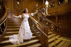 På museet finns en exakt kopia av den enorma trappan som var centrum på Titanic. Här kan den som vill dricka afternoon tea på helgerna.