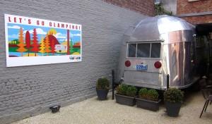 På Vintage kan du bo i en klassisk husvagn ombyggd till modernt hotellrum.